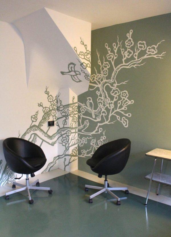 Kersenbloesem muurschildering - een mooie oplossing voor een rare hoek